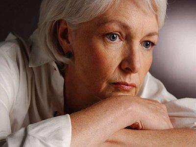 Как распознать первые признаки климакса у женщин