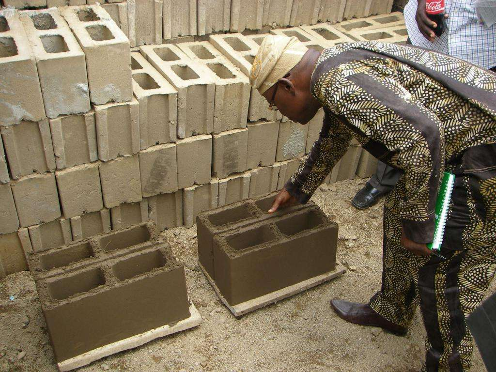 Изготовление шлакоблоков своими руками: технологии, материалы и оборудование