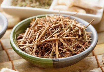 Трава пол-пала: свойства и применение