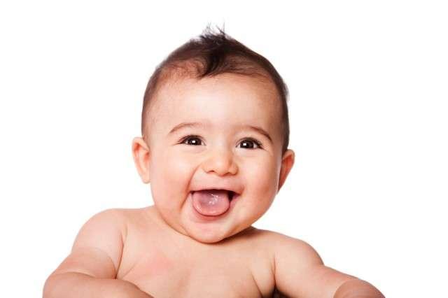 Почему новорожденный высовывает язык?