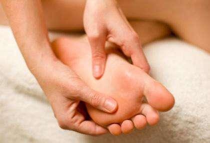 Как лечить натоптыши на ступнях?