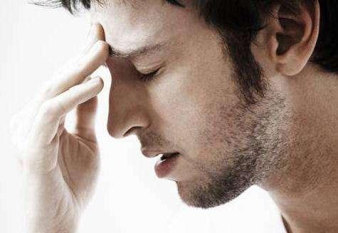 Почему кружится голова? Причины и лечение