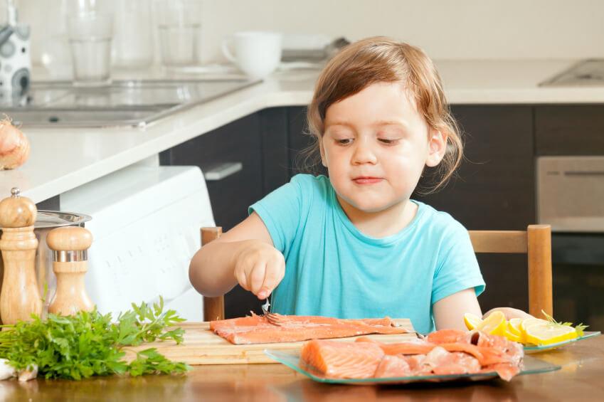 С какой рыбы начинать прикорм ребенка? Как приготовить рыбу для ребенка