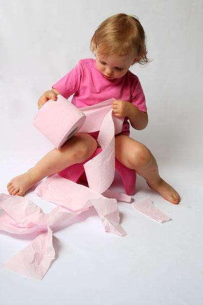Почему возникает недержание кала у ребенка?