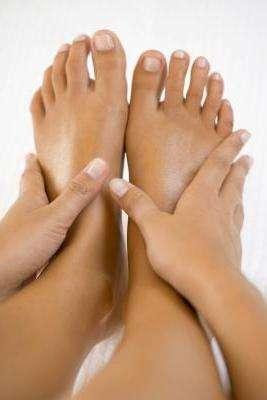 Эффективные мочегонные народные средства при отеках ног