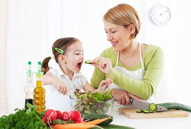 Правильное питание ребенка: возраст, основные принципы, особенности рациона и примерное меню