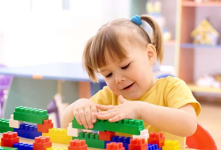 Куда отдать ребенка в 2 года: варианты занятий, особенности развития, возрастные рамки и нормы нагрузки для малышей