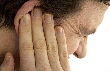 Если болят уши, как лечить и каковы причины?