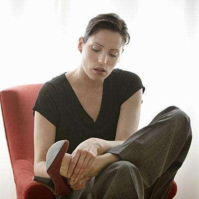 Сильно отекли ноги. Что делать? Профилактика и лечение отечности