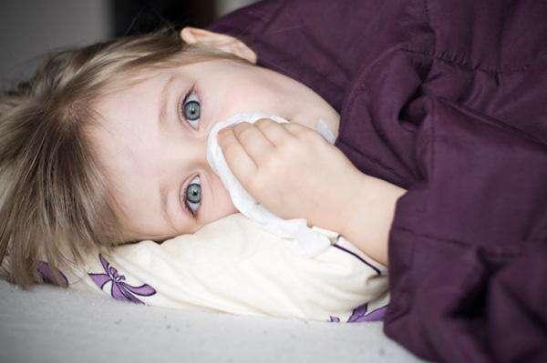 Какие выделяются признаки серозного менингита у детей?
