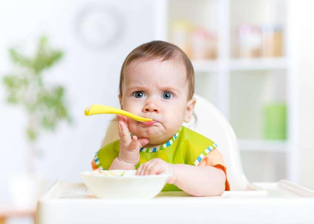 Как развить ребенка в 11 месяцев? Развивающие игрушки для ребенка до 1 года