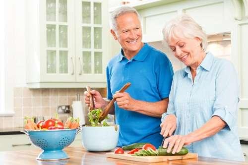 Питание в пожилом возрасте: особенности, рекомендации и примерное меню