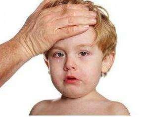 Как распознать первые симптомы менингита у детей?