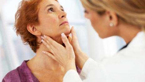 Основные симптомы аутоиммунного тиреоидита